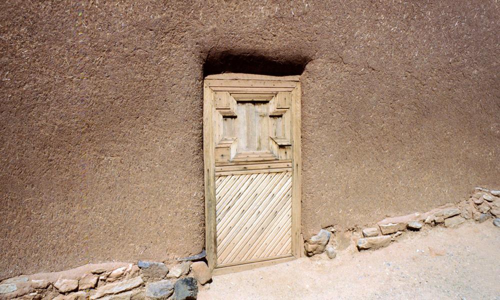 doorway_caballeros