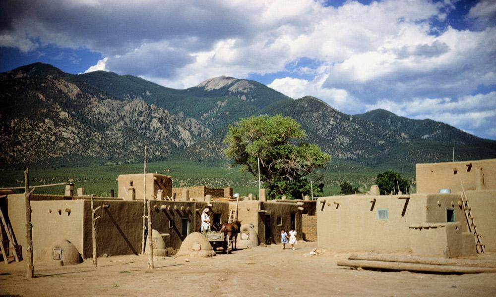 taos_pueblo_1950_1